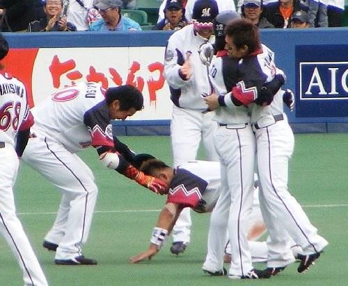 0412-6 土下座.JPG